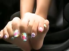 Asian girl - Pretty toes in black bows