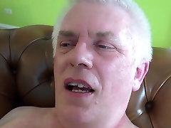 Teen mistress closeup fuck old cheating husband takes facial