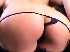 HOT ASIAN MILF LIKES TO TEASE