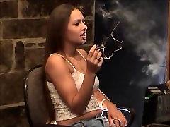 Smoking Fetish: Lynn - No bullshit 2