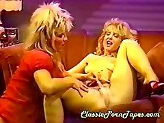 Oldschool horny lesbians