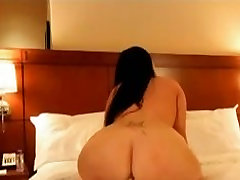 Big Booty White Girl Teases & Shakes Her Ass