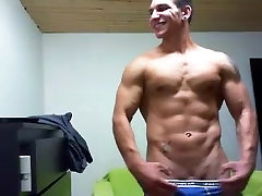 College Muscle Hunks Jacks off on Cam