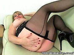 British milf Alisha Rydes masturbates in sexy pantyhose