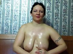 mature milf shows her big tits