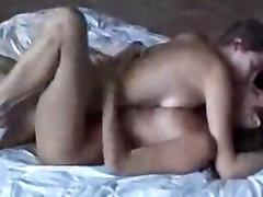 horny kisses lesbian