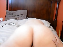 Big Booty latina bouncing juicy ass on cock