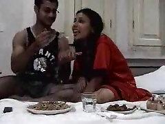 Hot Indian Honeymoon tape of bengali couple