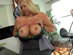 Big boobs get fuck