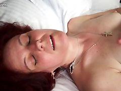 kinkyandlonelycom Mature slut mom masturbatin