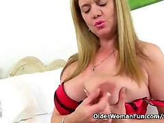 Luscious milf Lily from the UK