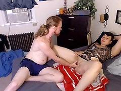 squirting milf has intense orgasm!