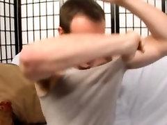 Amateur dude shoots cum