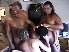 Swinger party matures