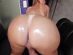 Giant knob for a naughty tranny