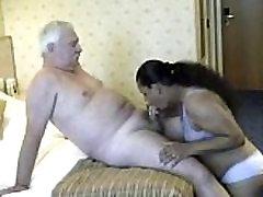 Old man licks and fucks a busty BBW-www.yourubb.com