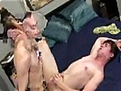 Twink college boys gay sex tube Ryan goes down on Ian first, eager to