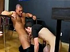Twinks tranny movies and nude gay porn muscles man in mobile first