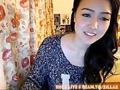 Sexy Asian Cam Girl ZillaX - She&039s Live Beam.ToZillaX 100