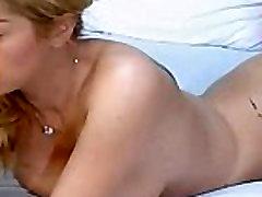 Horny asian camgirl loves her dildo www.1freecam