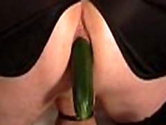 Analaddict, zucchina nel culo - amawebcam.comgay