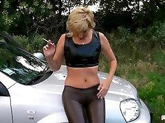 Hot Gazoo and Camel toe - Smokin Outdoors