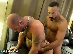 Muscly gay bears fuck