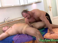 Bear masseur sucks straighty
