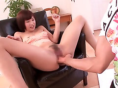 Girl Learns To Squirt - MilfsInJapan