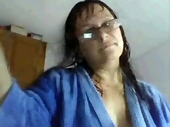 Busty mature bbws with glasses shows her ass online