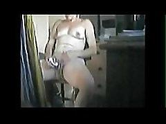 Finally I caught my mum masturbating
