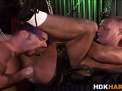Mature gay asses fisted