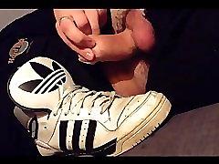 creaming onto adidas altitude xl