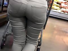 Big booty tight jeans