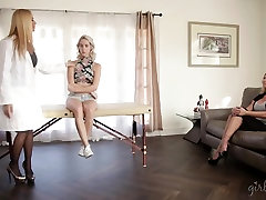 Cadence Lux squirting in front of her mom and the doc