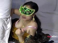 Big Ass Velamma Bhabhi Sucking Indian Cock