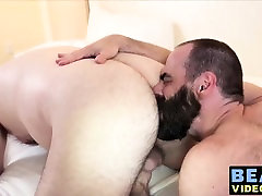 Nasty bears Michael Love and Steve Sommers fucking hard