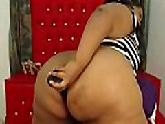 Ebony MILF with biggest epic butt