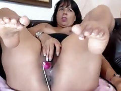 MATURE LATINA FEET AND PUSSY ON WEBCAM