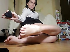 Hot russian smells her sexy heels, feet and nylon socks