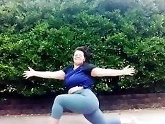 Bbw yoga