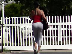 candid - Hot Busty Brunette Big Tits & BOOTY in Yoga Pants