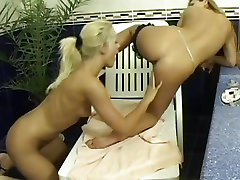 Dorothy Black munches on her partners moist pussy