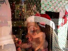 Shemale Cindy - A Guys Christmas Present