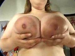 amys huge boobs