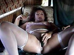 Mature slut using many toys to masturbate.