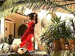 Incredible nude ebony babe dancing