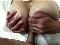 Lady Sonia gets titjob cumshot