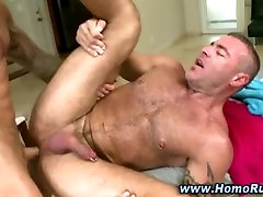 Straight guy turns gay and gives cumshot