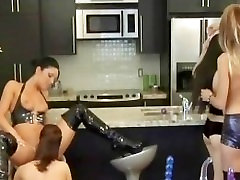 Lesbo babe gets fucked with a glass part2